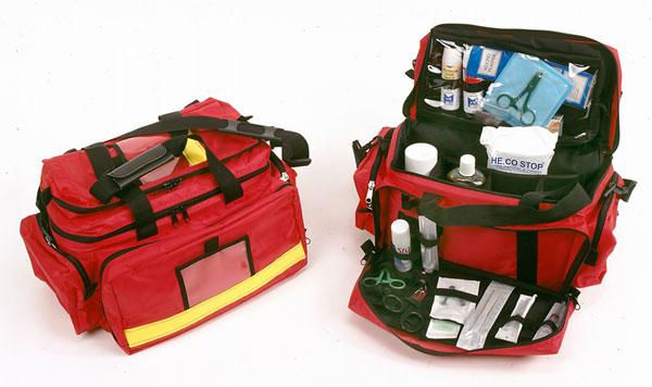 Trousse à pharmacie de voyage : le kit de premiers secours