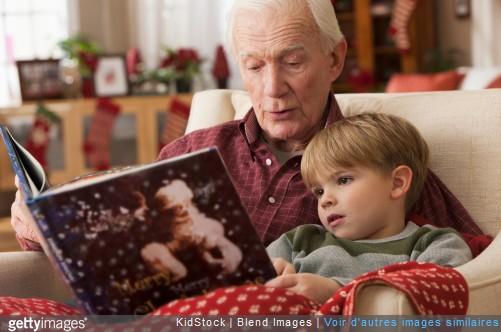 Noël : 3 astuces pour le préparer avec vos petits-enfants