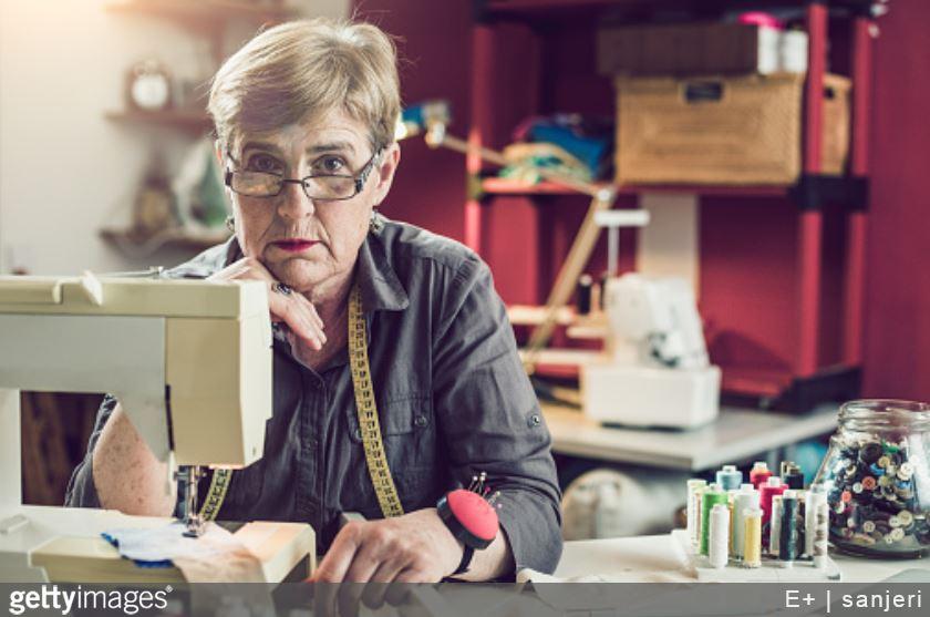 coutur-retraitée-retraite-autoentrepreneur-cumul-rsi-régime-social