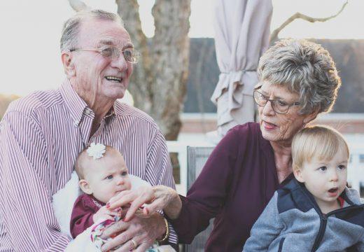 Comment bien choisir une poussette pour ses petits-enfants?