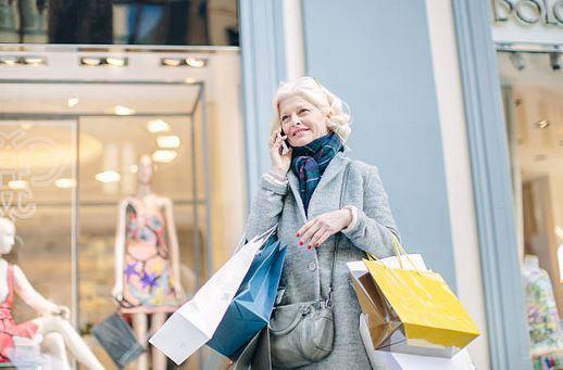 Senior et moderne: comment s'habiller tendance après 50 ans?