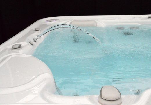 Seniors : faire installer un spa chez soi